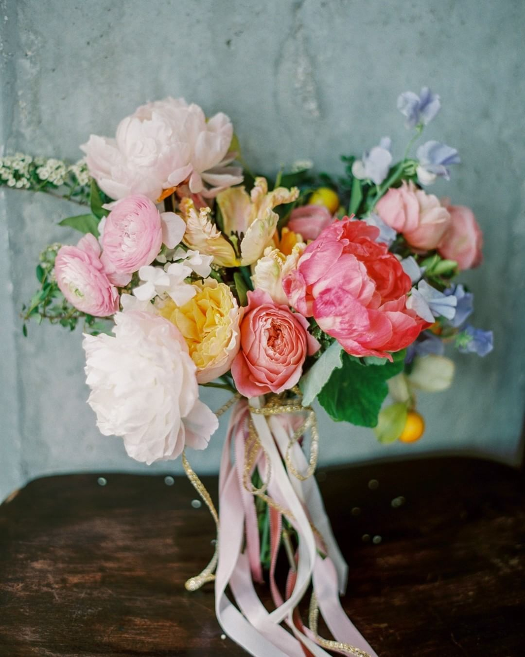 pink peony bouquet - photo by Jenna McElroy https://ruffledblog.com/30-dream-bouquets-for-summer-weddings
