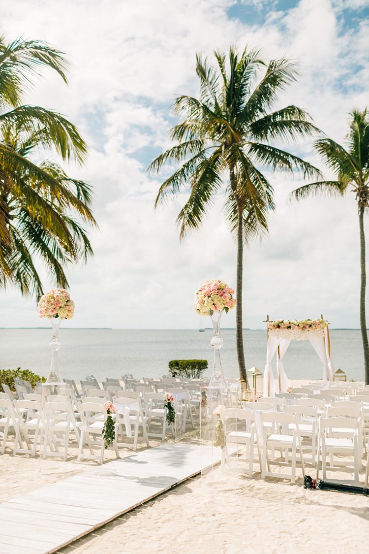 Key Largo beach destination weddings - photo by Finding Light Photography https://ruffledblog.com/key-largo-wedding-with-amazing-orchids-and-hydrangea
