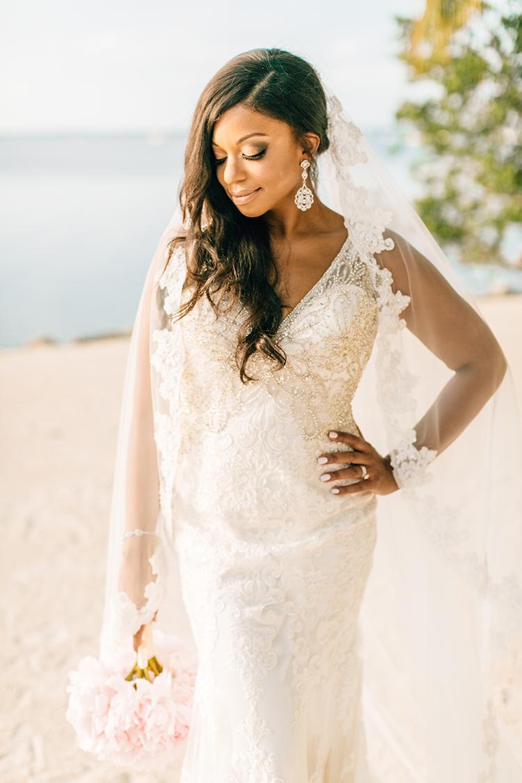 glam beach bridal wedding looks - photo by Finding Light Photography https://ruffledblog.com/key-largo-wedding-with-amazing-orchids-and-hydrangea