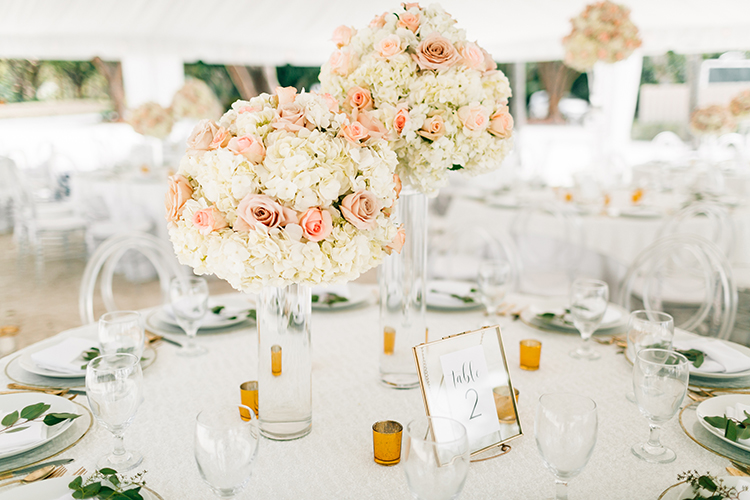 rose and hydrangea centerpieces - photo by Finding Light Photography https://ruffledblog.com/key-largo-wedding-with-amazing-orchids-and-hydrangea