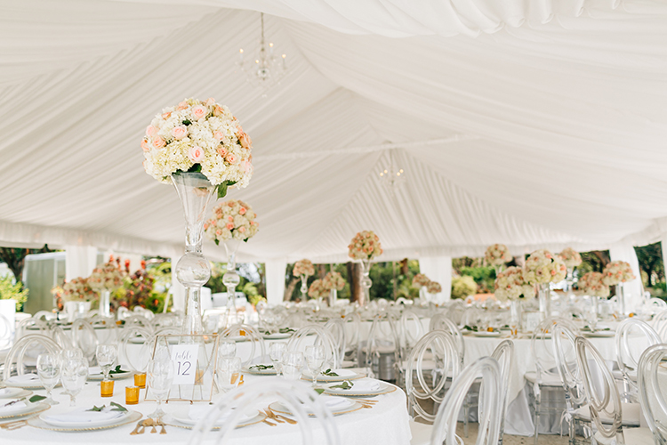 romantic elegant weddings - photo by Finding Light Photography https://ruffledblog.com/key-largo-wedding-with-amazing-orchids-and-hydrangea