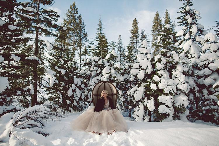 bridal inspiration - photo by Lilly Red Creative https://ruffledblog.com/lake-tahoe-beach-wedding-inspiration