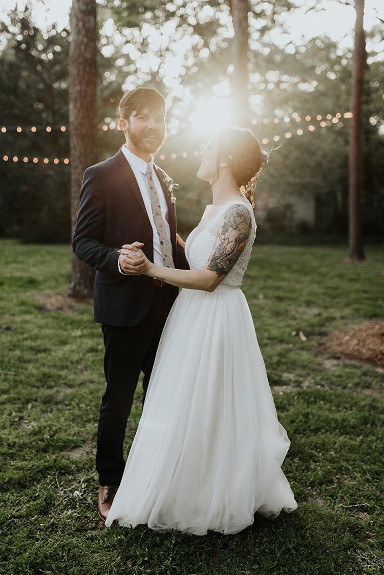 romantic backyard weddings - https://ruffledblog.com/lovingly-handcrafted-backyard-wedding-with-boho-details