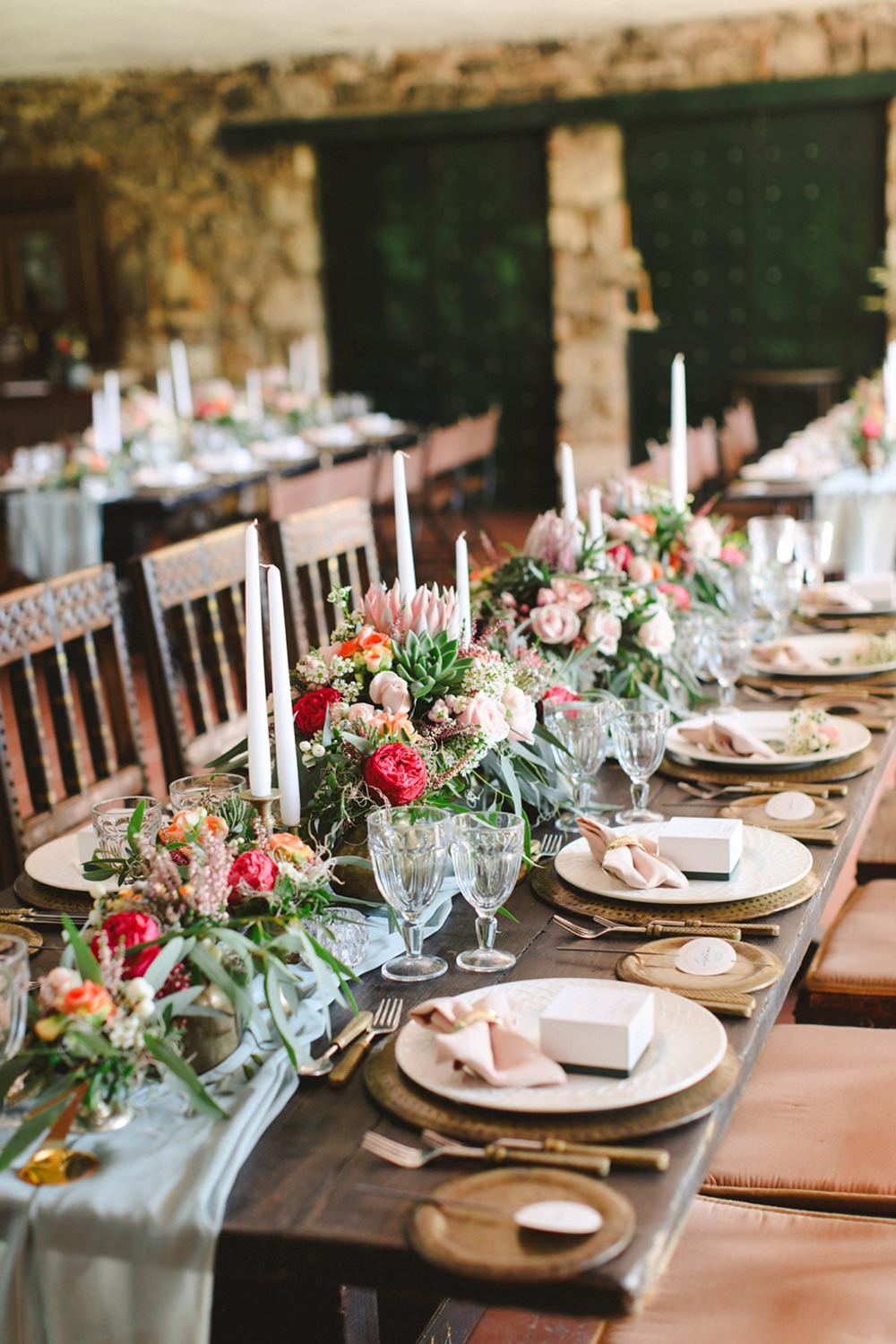 emerald and pink wedding reception tablescape