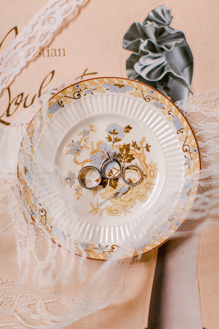bridal wedding accessories - photo by Andy Seo http://ruffledblog.com/lush-romantic-wedding-at-carondelet-house