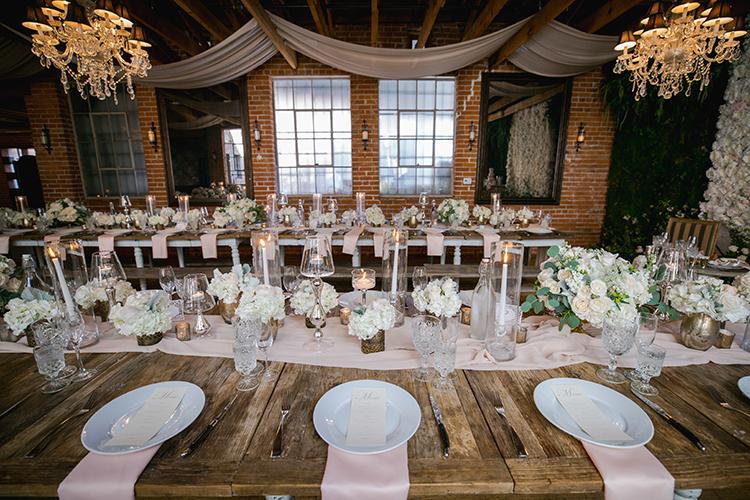 wedding reception tables - photo by Andy Seo https://ruffledblog.com/lush-romantic-wedding-at-carondelet-house