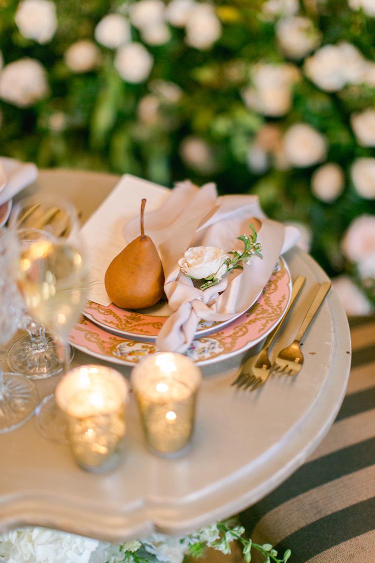 romantic wedding place settings - photo by Andy Seo https://ruffledblog.com/lush-romantic-wedding-at-carondelet-house