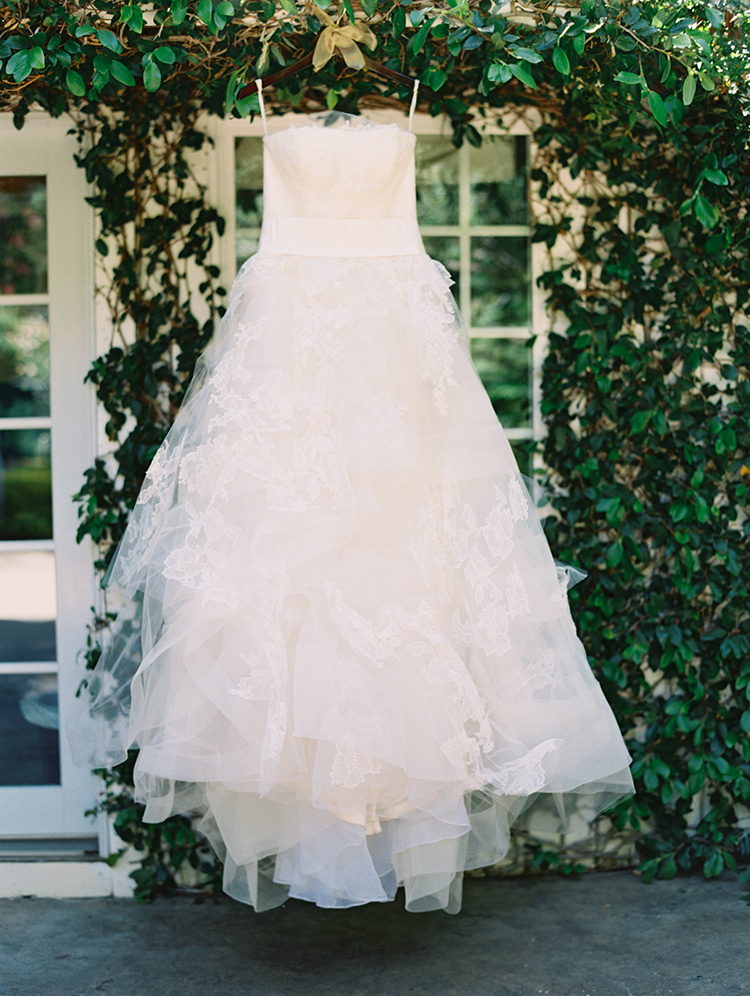 romantic Vera Wang wedding gowns - photo by Mirelle Carmichael https://ruffledblog.com/magical-midsummer-nights-dream-wedding
