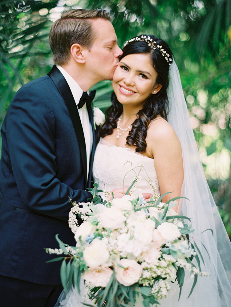 romantic wedding portraits - photo by Mirelle Carmichael https://ruffledblog.com/magical-midsummer-nights-dream-wedding