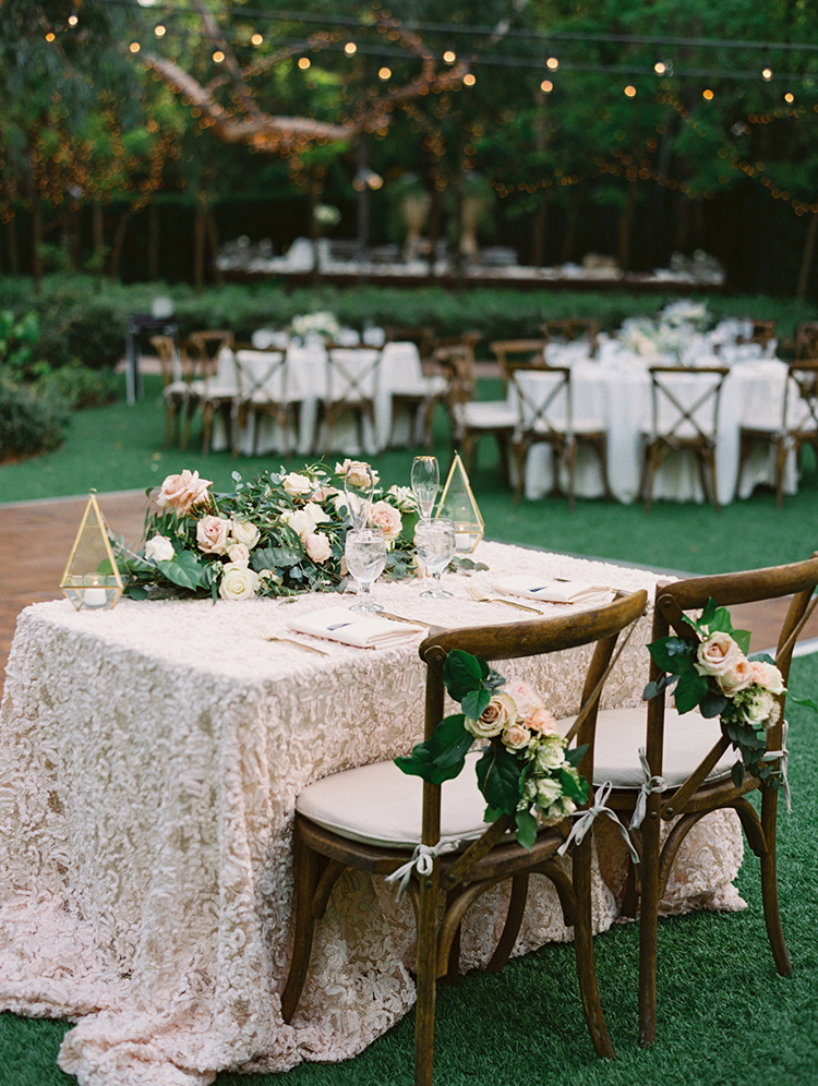 romantic garden backyard weddings - photo by Mirelle Carmichael https://ruffledblog.com/magical-midsummer-nights-dream-wedding