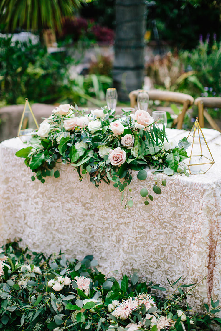 romantic garden wedding inspiration - photo by Mirelle Carmichael https://ruffledblog.com/magical-midsummer-nights-dream-wedding