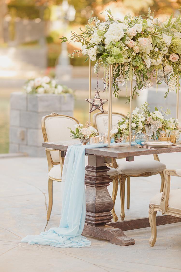 romantic garden wedding receptions - photo by Kristen Booth Photographer https://ruffledblog.com/majestic-castle-wedding-inspiration-with-celestial-accents