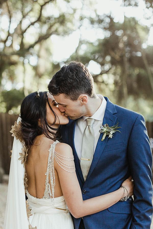 Must see! Wedding with marble details. See more: https://ruffledblog.com/blue-malibu-wedding/  #wedding #weddingblog #weddingdecor
