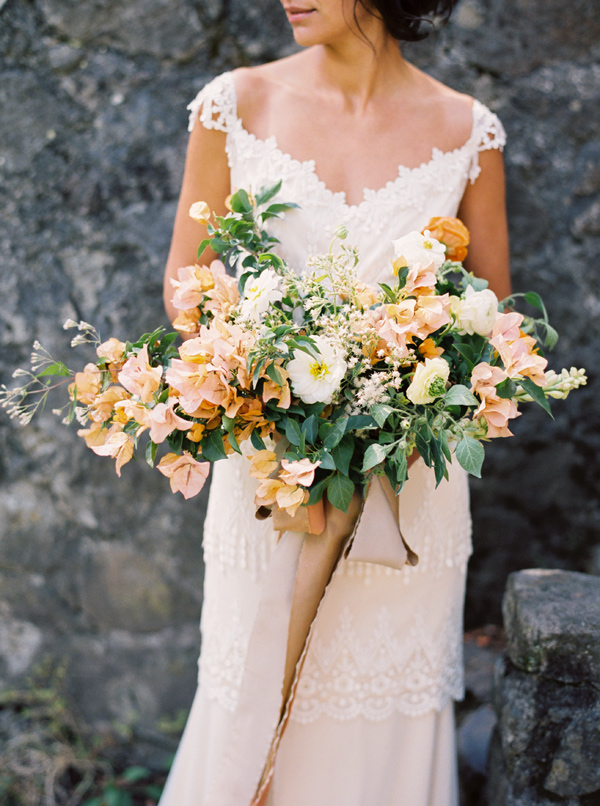 peach bouquet - photo by Sarah Kate Photographer and Joshua Aull Photography https://ruffledblog.com/mexico-city-courtyard-wedding-ideas