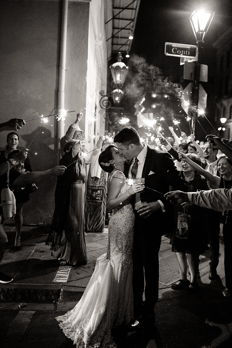 wedding photography - photo by Kaylynn Marie Photography http://ruffledblog.com/midnight-in-paris-inspired-wedding-in-new-orleans