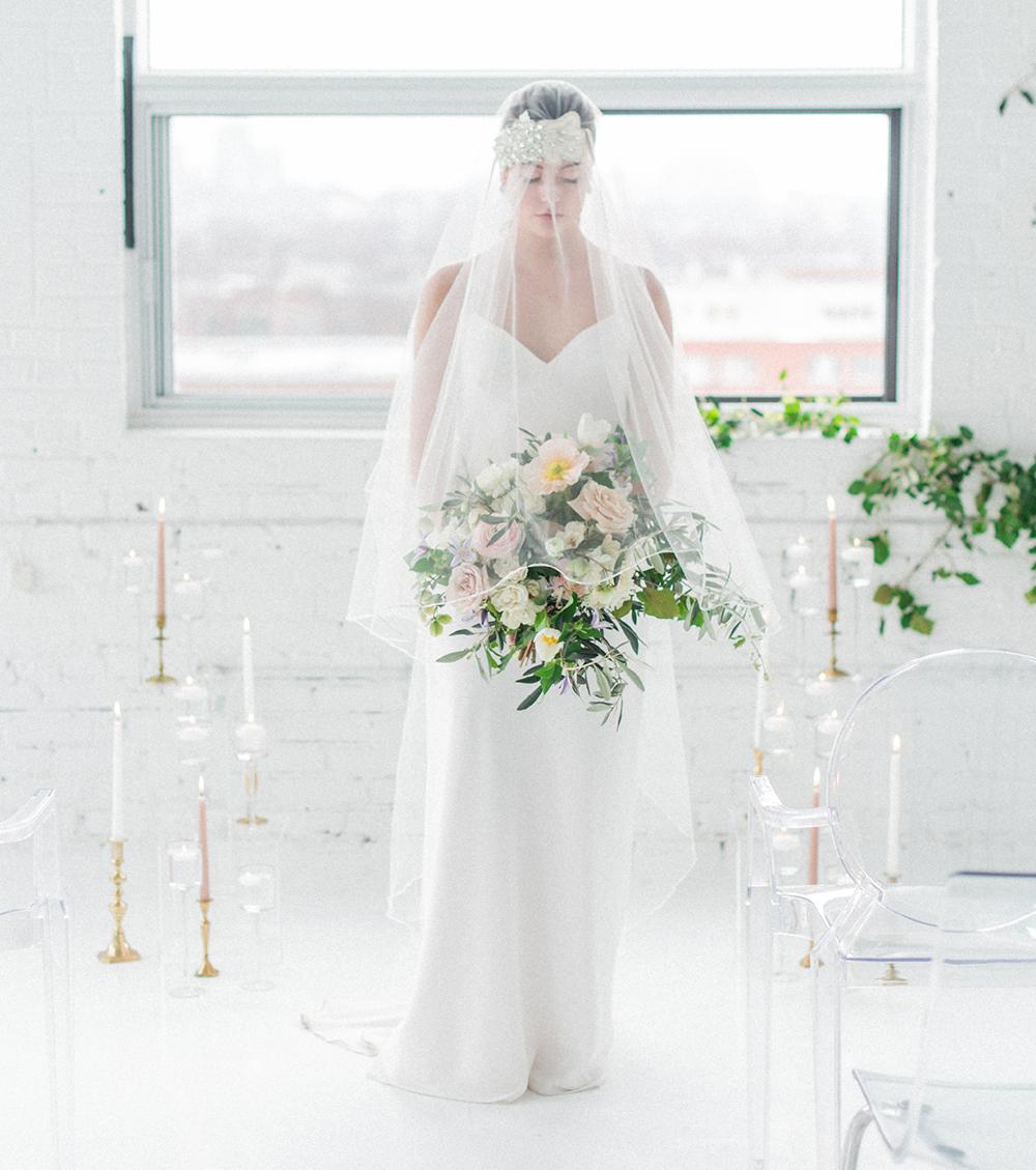 bridal inspiration - photo by Laura Kelly Photography https://ruffledblog.com/minimalist-monochrome-european-wedding-inspiration