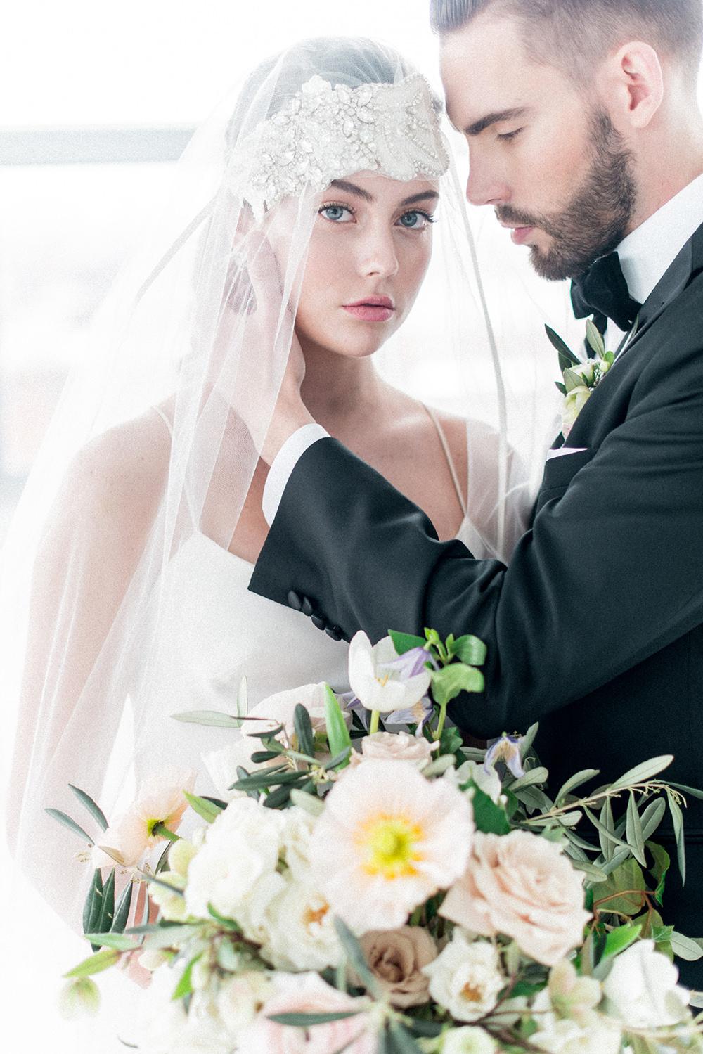 wedding ceremonies - photo by Laura Kelly Photography https://ruffledblog.com/minimalist-monochrome-european-wedding-inspiration
