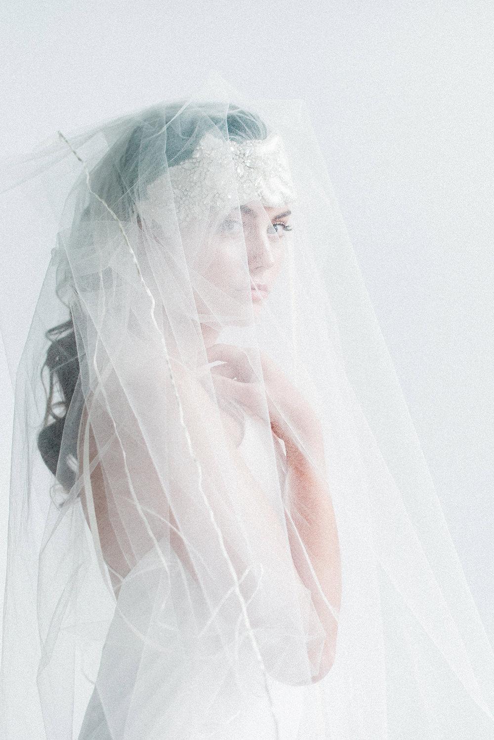 glam bridal inspiration - photo by Laura Kelly Photography https://ruffledblog.com/minimalist-monochrome-european-wedding-inspiration