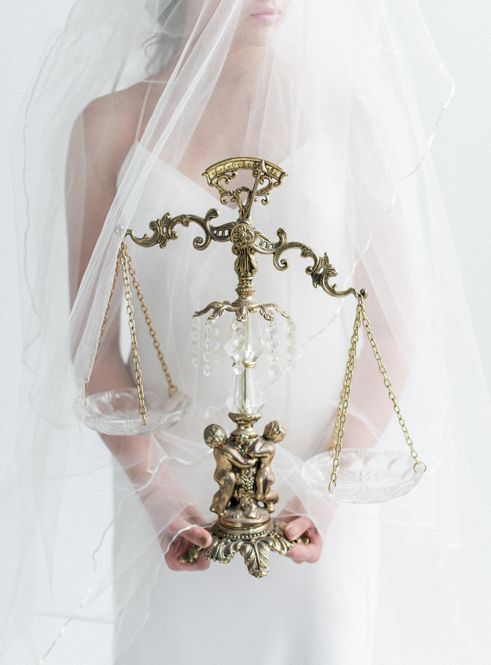 wedding ideas - photo by Laura Kelly Photography http://ruffledblog.com/minimalist-monochrome-european-wedding-inspiration