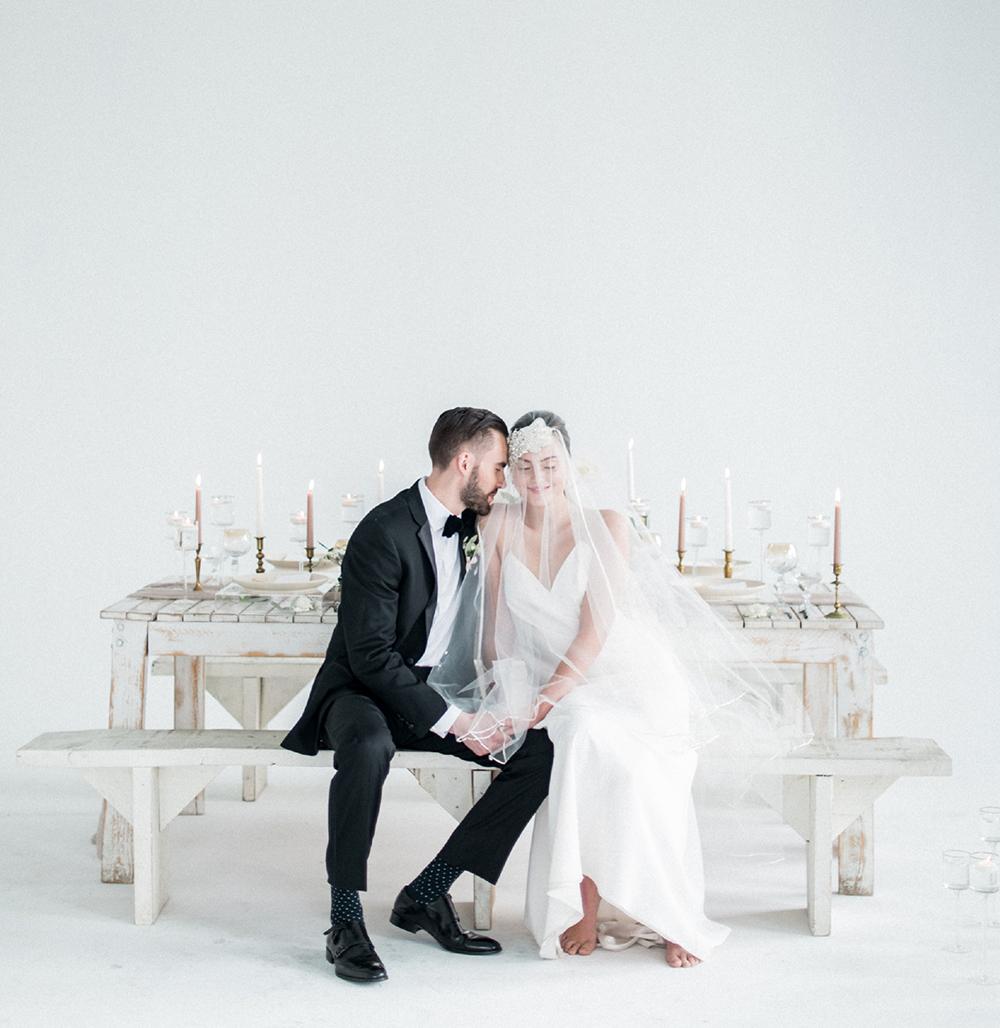 monochrome wedding inspiration - photo by Laura Kelly Photography http://ruffledblog.com/minimalist-monochrome-european-wedding-inspiration