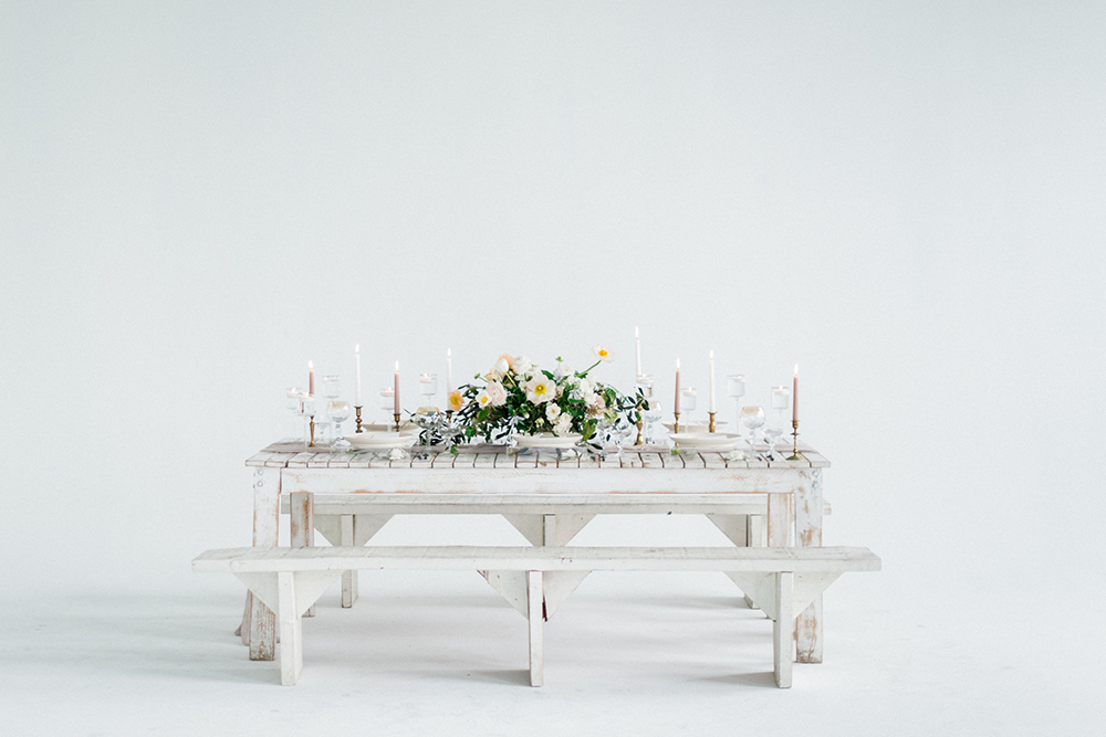 modern wedding ideas - photo by Laura Kelly Photography http://ruffledblog.com/minimalist-monochrome-european-wedding-inspiration