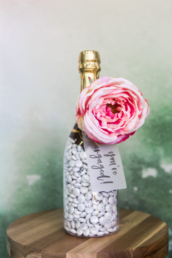 7 Wedding Favor and Decor Ideas with M&M'S + 25% Off Code!