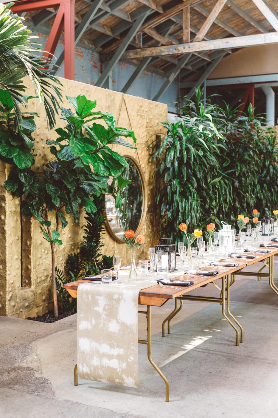 modern LA wedding reception - https://ruffledblog.com/modern-downtown-los-angeles-wedding
