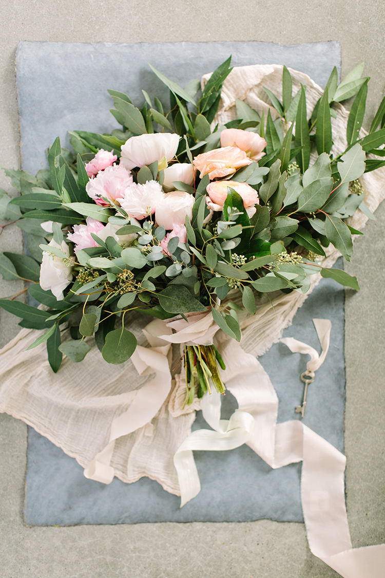 romantic pink bouquets with greenery - photo by Mustard Seed Photography https://ruffledblog.com/modern-farmhouse-wedding-with-organic-details