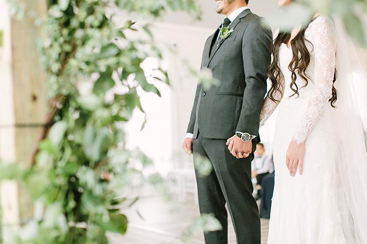 wedding ceremonies - photo by Mustard Seed Photography http://ruffledblog.com/modern-farmhouse-wedding-with-organic-details