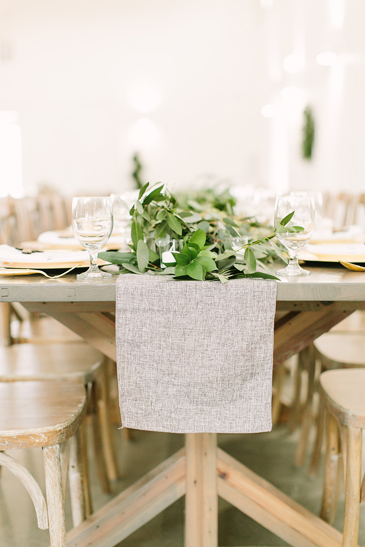 grey table runners - photo by Mustard Seed Photography http://ruffledblog.com/modern-farmhouse-wedding-with-organic-details