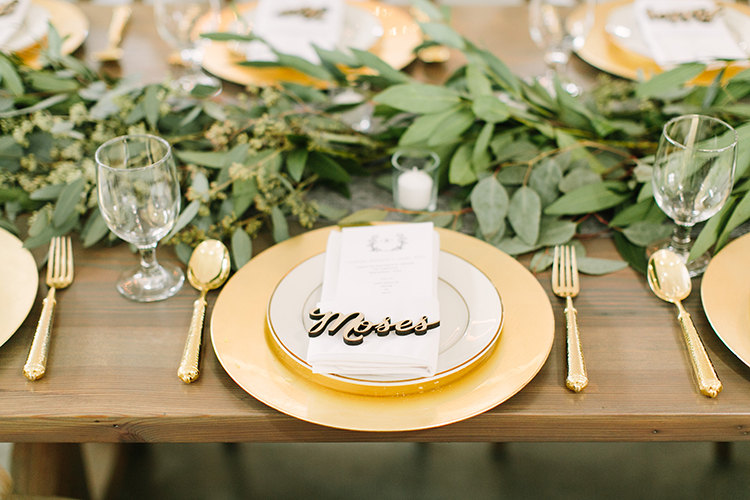gold and greenery weddings - photo by Mustard Seed Photography https://ruffledblog.com/modern-farmhouse-wedding-with-organic-details