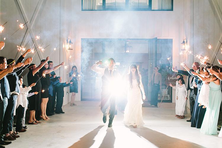 wedding photography - photo by Mustard Seed Photography http://ruffledblog.com/modern-farmhouse-wedding-with-organic-details