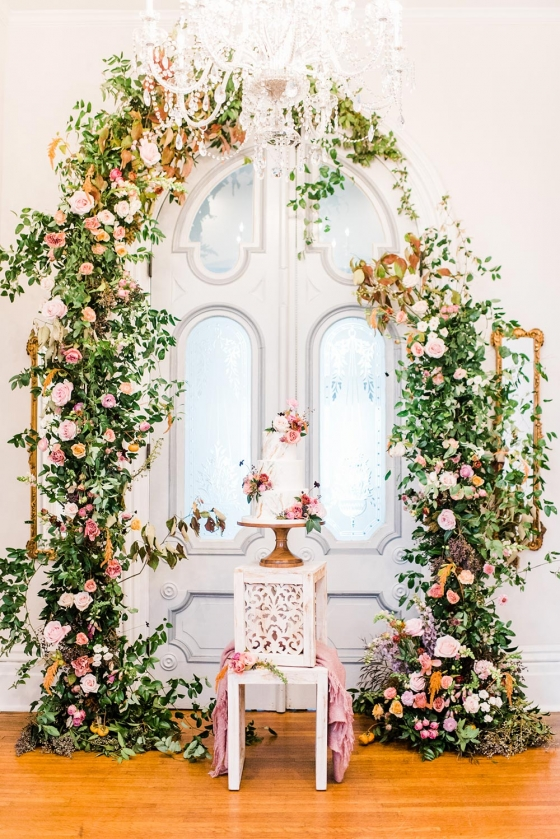 Modern Femme Wedding Inspiration in a Historic Estate