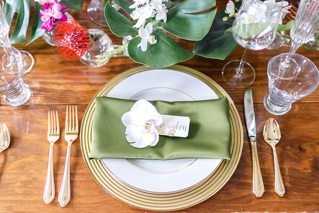 wedding tables with green accents - photo by Virginia Ashley Photography http://ruffledblog.com/modern-industrial-wedding-inspiration-with-tropical-vibes