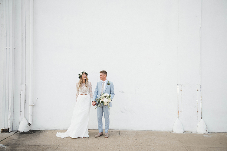 wedding photography - photo by A Sea of Love https://ruffledblog.com/modern-industrial-wedding-with-lots-of-greenery
