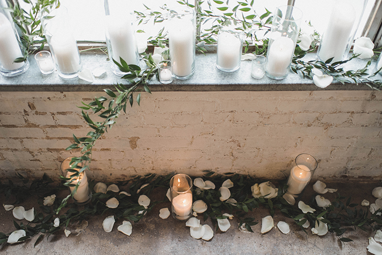 ceremony decor - photo by A Sea of Love https://ruffledblog.com/modern-industrial-wedding-with-lots-of-greenery