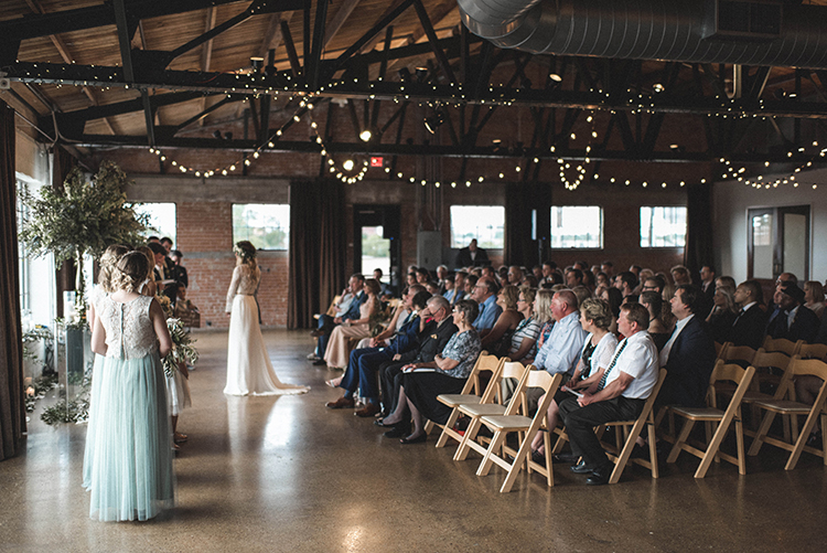wedding ceremonies - photo by A Sea of Love https://ruffledblog.com/modern-industrial-wedding-with-lots-of-greenery