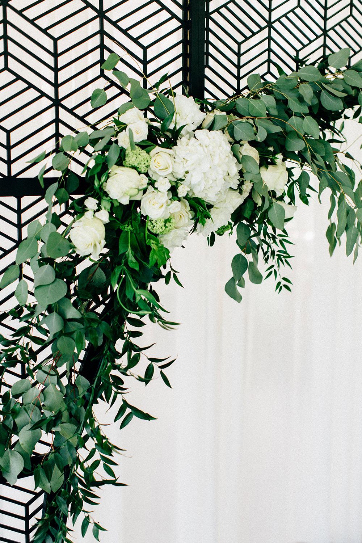 floral inspiration - photo by Four Corners Photography http://ruffledblog.com/modern-luxe-summer-wedding-inspiration