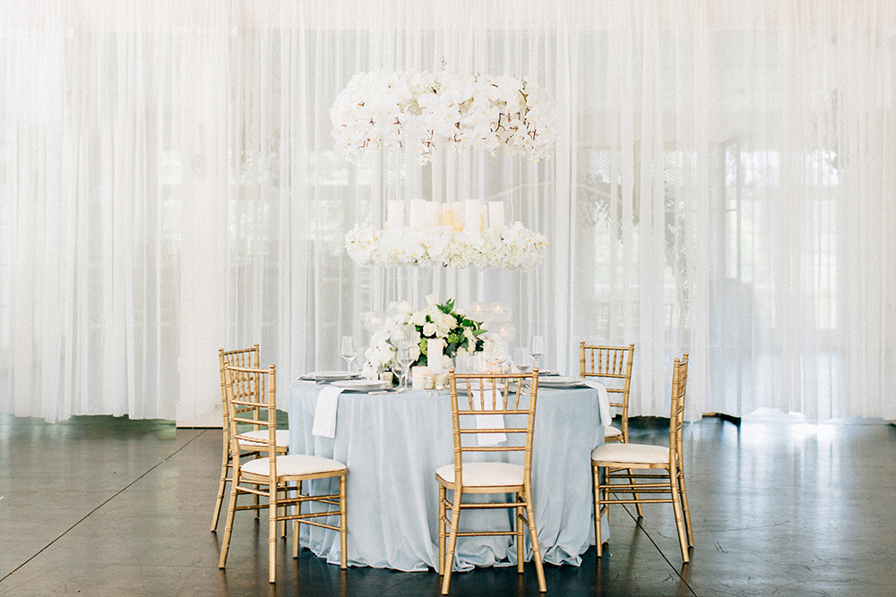 wedding receptions - photo by Four Corners Photography http://ruffledblog.com/modern-luxe-summer-wedding-inspiration
