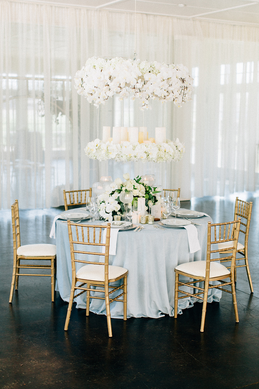 wedding tables - photo by Four Corners Photography http://ruffledblog.com/modern-luxe-summer-wedding-inspiration