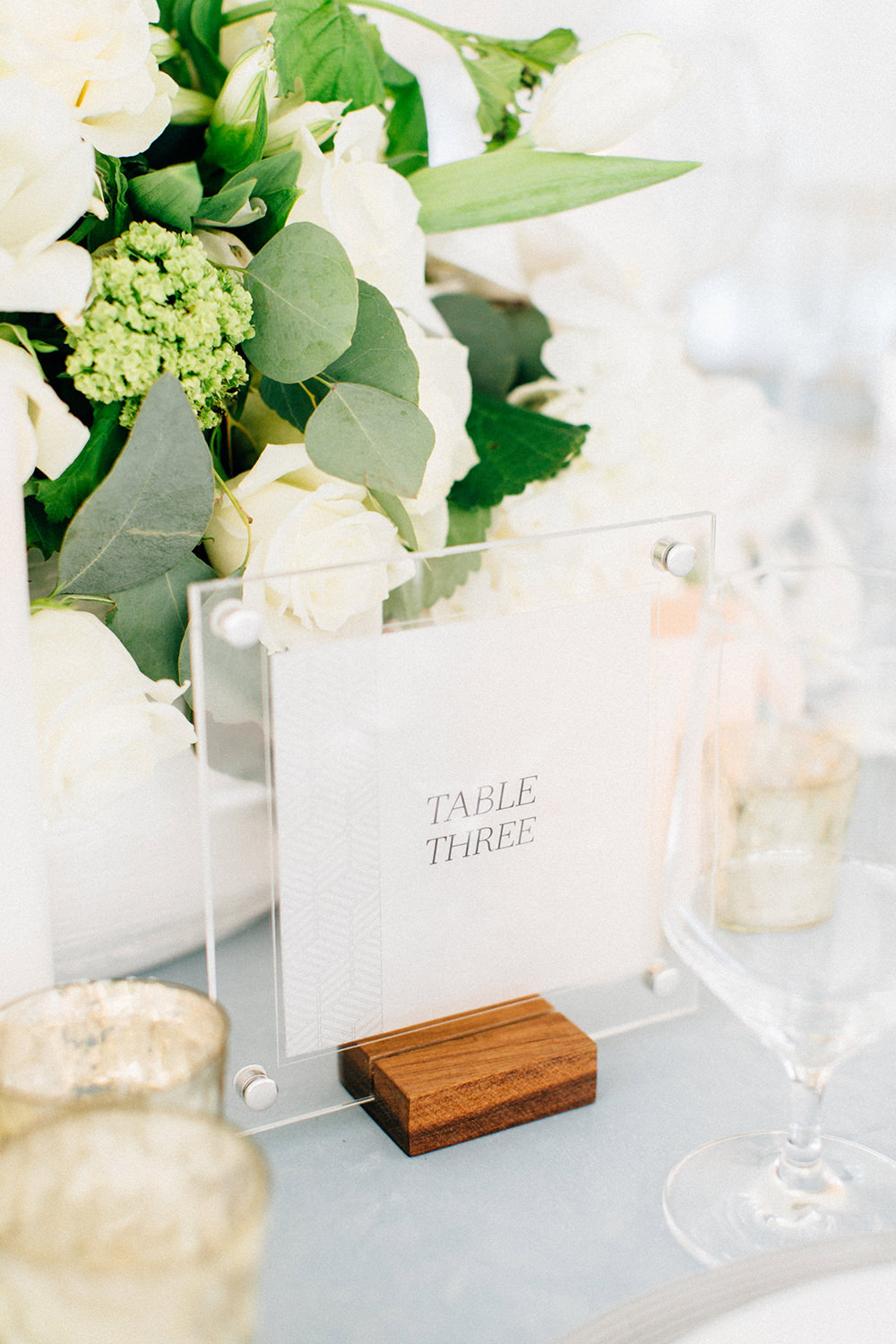 table numbers - photo by Four Corners Photography http://ruffledblog.com/modern-luxe-summer-wedding-inspiration