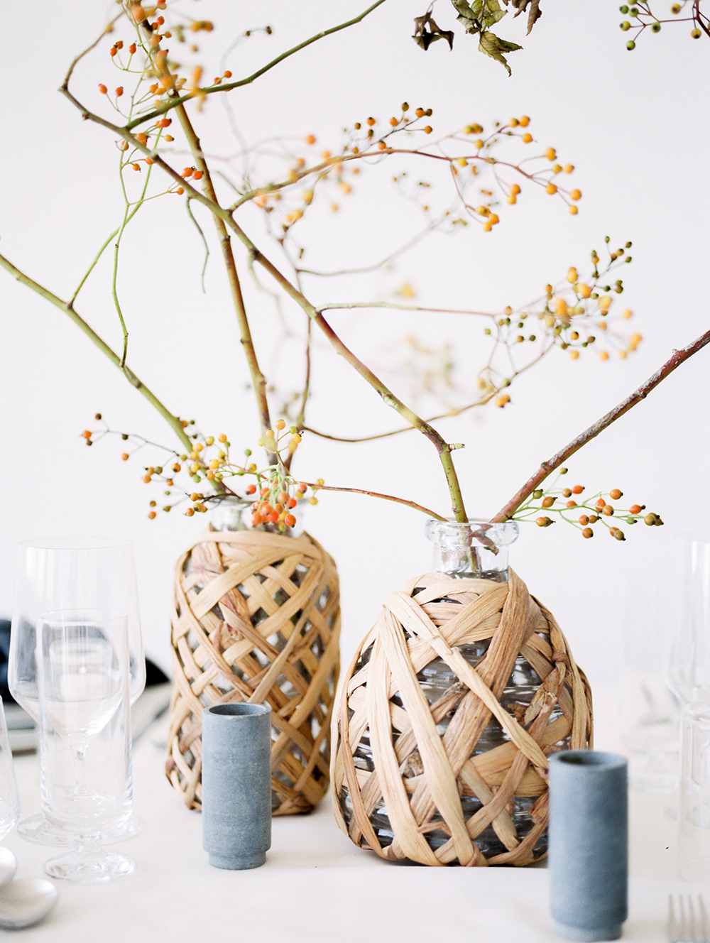 modern wedding tables - photo by Taryn Grey Photography https://ruffledblog.com/modern-minimalism-meets-soft-femininity-wedding-inspiration