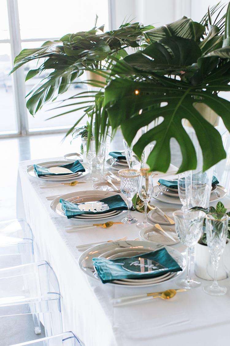 tropical wedding tablescapes - photo by J Wiley Photography http://ruffledblog.com/modern-minimalist-wedding-ideas-with-a-tropical-twist
