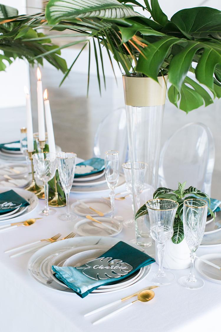 modern tropical weddings - photo by J Wiley Photography http://ruffledblog.com/modern-minimalist-wedding-ideas-with-a-tropical-twist