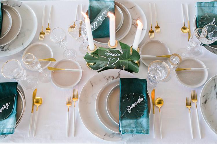wedding tablescape inspiration - photo by J Wiley Photography https://ruffledblog.com/modern-minimalist-wedding-ideas-with-a-tropical-twist
