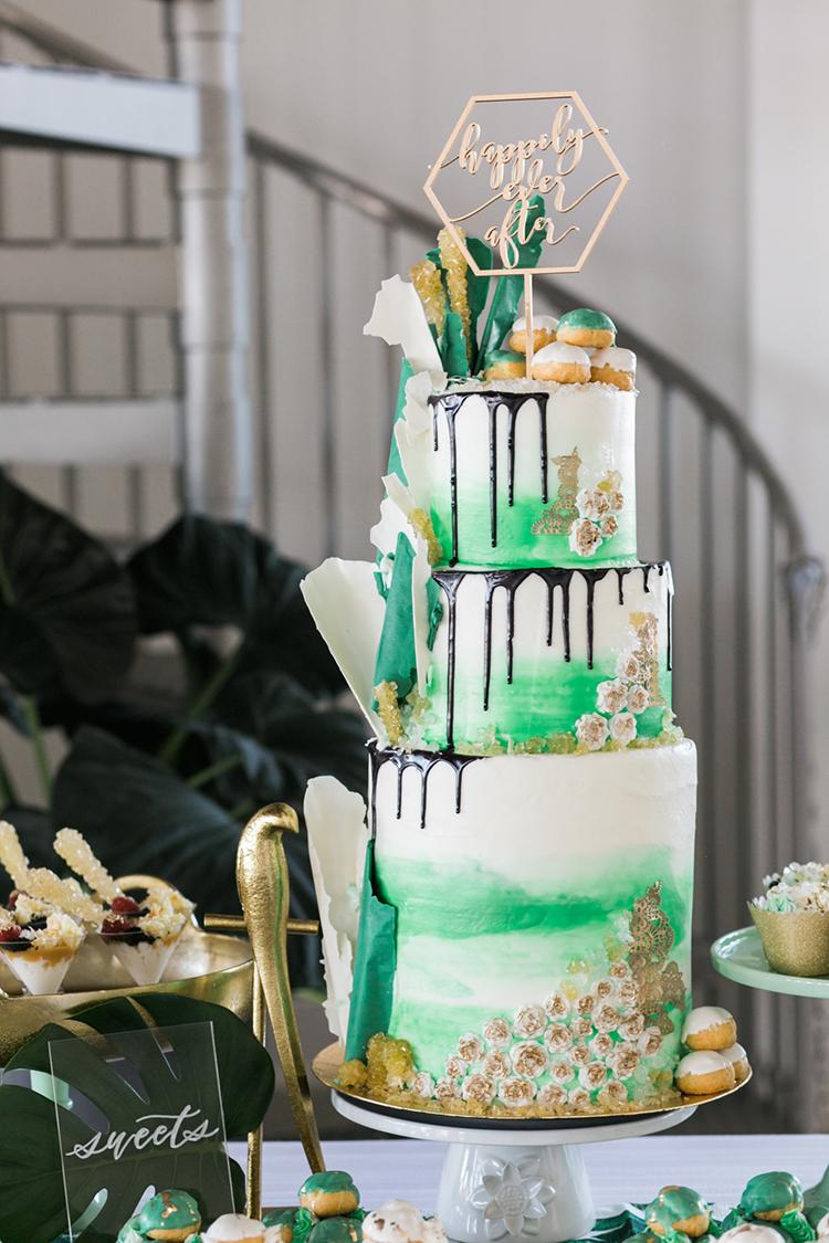 drippy wedding cakes - photo by J Wiley Photography http://ruffledblog.com/modern-minimalist-wedding-ideas-with-a-tropical-twist