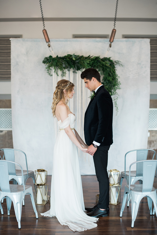 Modern Organic Wedding Inspiration with Greenery - photo by Kristen Weaver Photography http://ruffledblog.com/modern-organic-wedding-inspiration-with-greenery