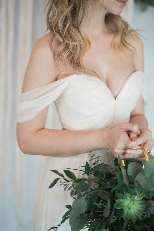 unique bridal bouquets - photo by Kristen Weaver Photography http://ruffledblog.com/modern-organic-wedding-inspiration-with-greenery