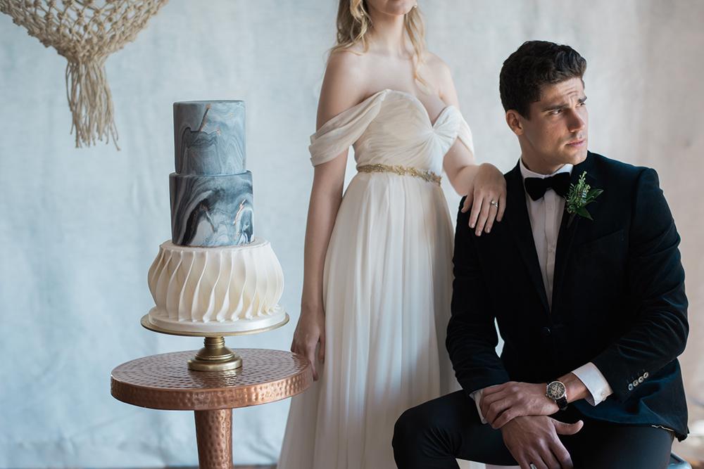 wedding fashion details - photo by Kristen Weaver Photography https://ruffledblog.com/modern-organic-wedding-inspiration-with-greenery