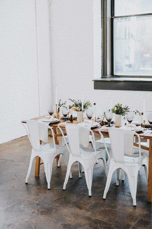 modern organic wedding inspiration - photo by Jacoby Photo and Design https://ruffledblog.com/modern-romantic-loft-wedding-inspiration